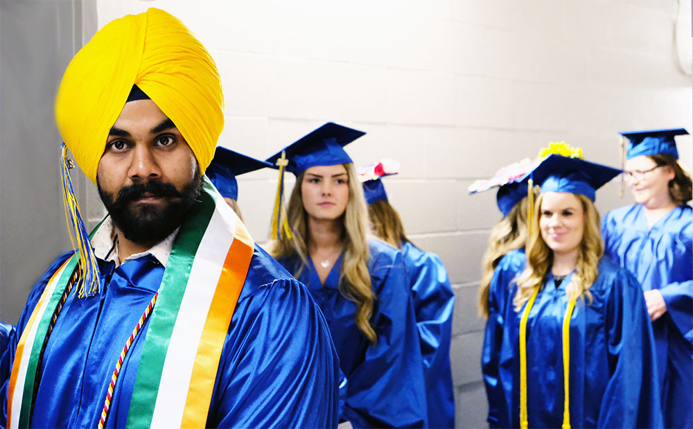 2018 SFCC graduate wearing a turban or Pagri